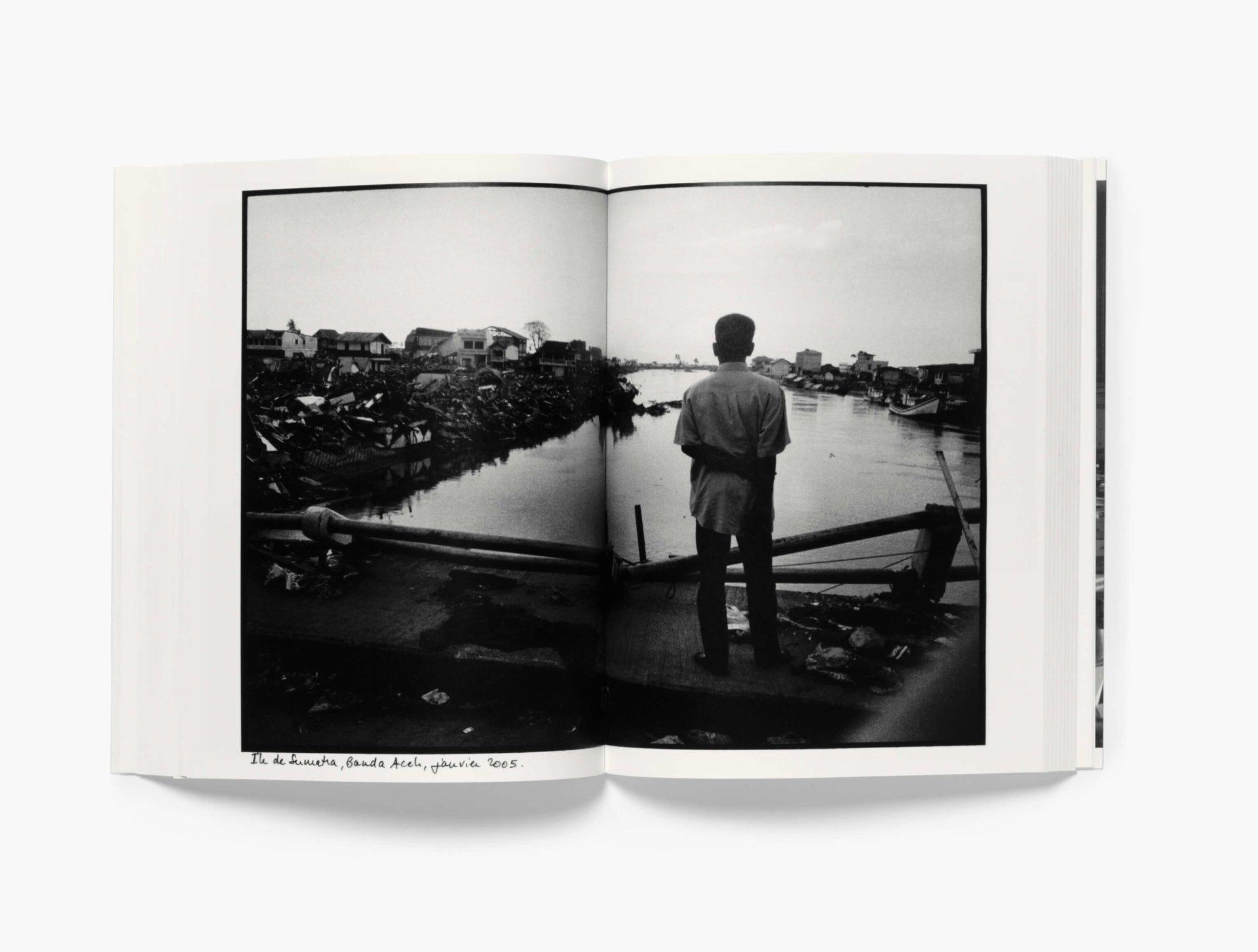 Photo of the inside of the book J'avais posé le monde sur la table