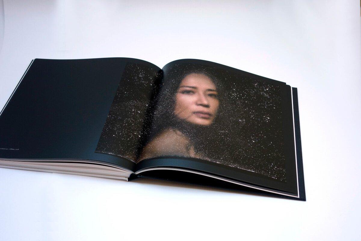 Photo de l'intérieur du livre Infinis d'Asie